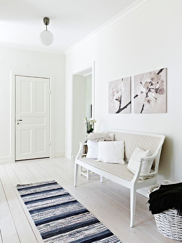 Adorable simple entryway decorating ideas for small spaces 24