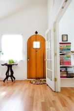 Adorable simple entryway decorating ideas for small spaces 43