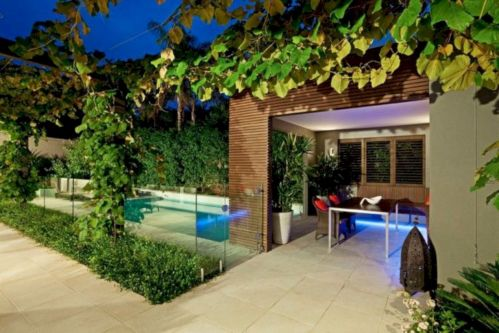 Comfy green country backyard remodel ideas 12