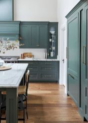 Cozy color kitchen cabinet decor ideas 08