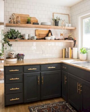 Cozy color kitchen cabinet decor ideas 13
