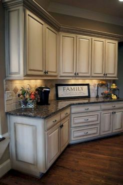 Cozy color kitchen cabinet decor ideas 24