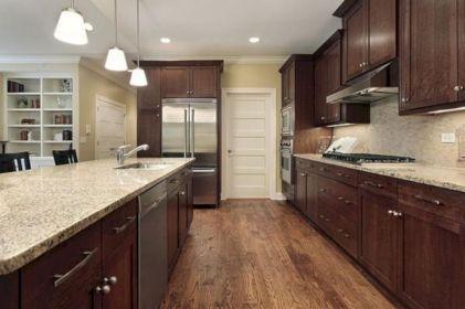 Cozy color kitchen cabinet decor ideas 33