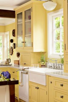 Cozy color kitchen cabinet decor ideas 39