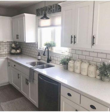 Cozy color kitchen cabinet decor ideas 51