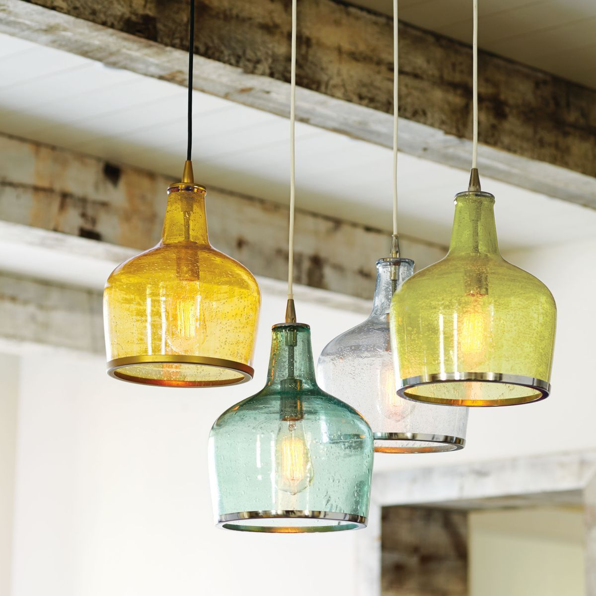 Fascinating colorful glass pendant lamps ideas for your kitchen 19