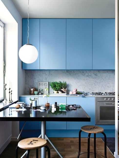 Fascinating colorful glass pendant lamps ideas for your kitchen 36