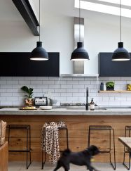 Fascinating colorful glass pendant lamps ideas for your kitchen 41