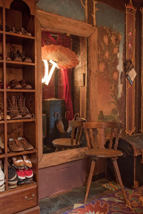 Luxury antique shoes rack design ideas 19