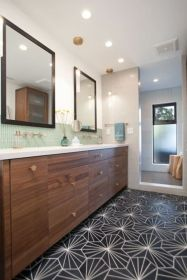 Perfect master bathroom design ideas for small spaces 04