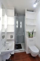 Perfect master bathroom design ideas for small spaces 09