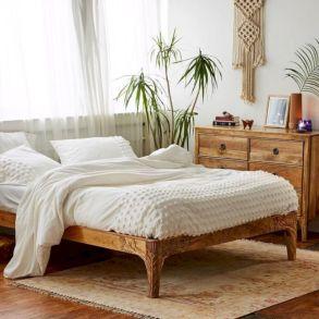 Unique white minimalist master bedroom design ideas 18