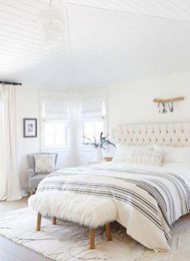 Unique white minimalist master bedroom design ideas 26