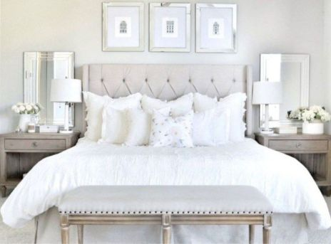Unique white minimalist master bedroom design ideas 41