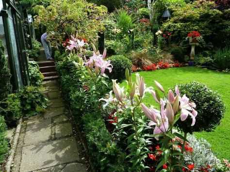 Charming flower beds ideas for shady yards 01