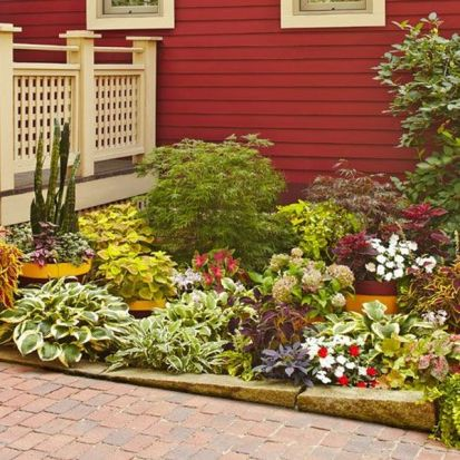 Charming flower beds ideas for shady yards 19