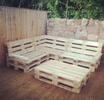 Graceful pallet furniture ideas 17