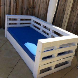 Graceful pallet furniture ideas 26