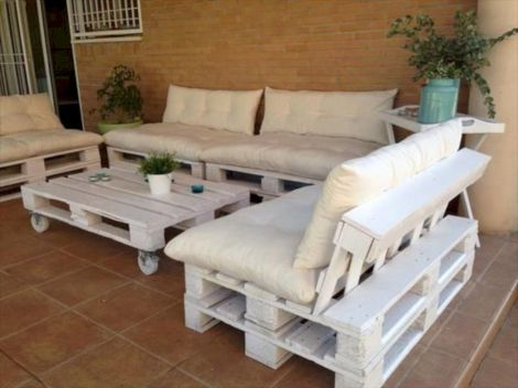 Graceful pallet furniture ideas 41
