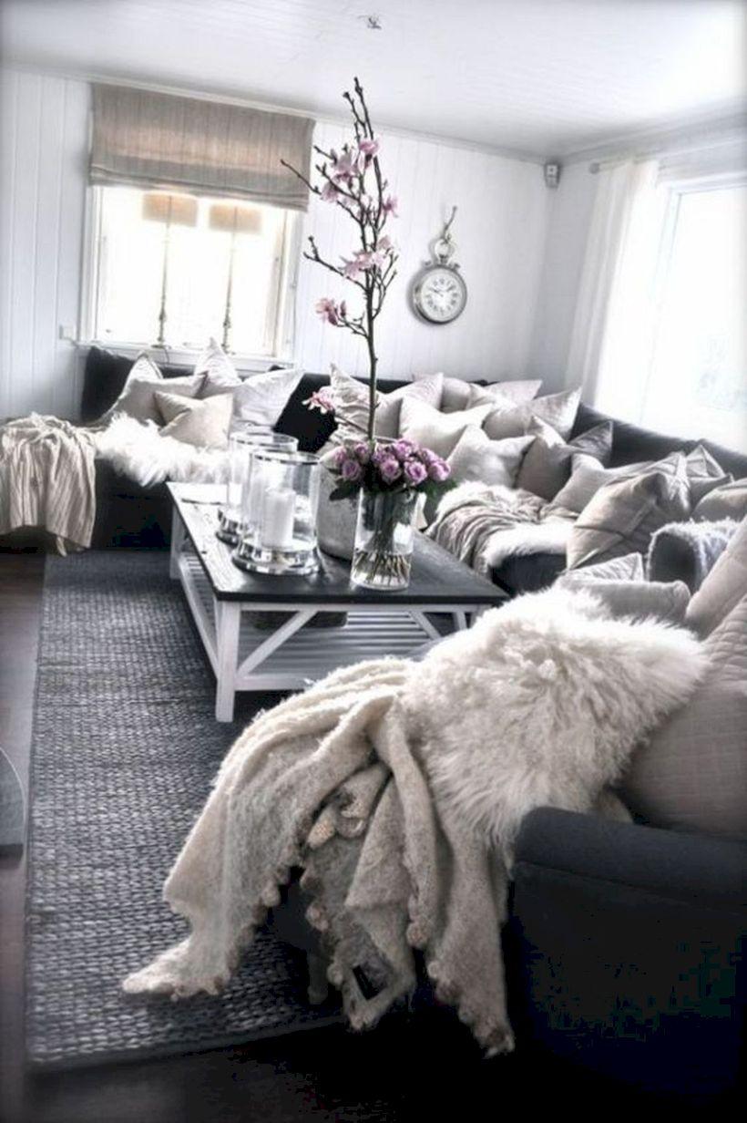 Simple living room designs ideas 26