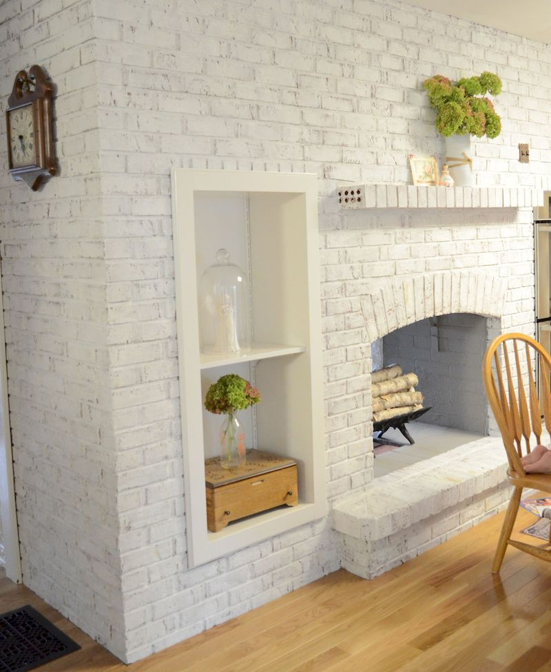 Attractive painted brick fireplaces ideas 31