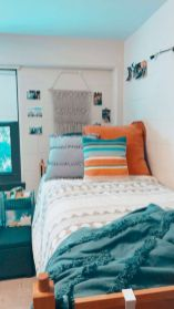 Inexpensive diy bedroom decorating ideas on a budget 32