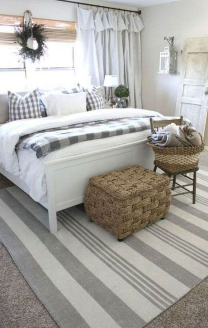 Inexpensive diy bedroom decorating ideas on a budget 46