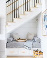 Unique coastal stairs design ideas for home this summer 35