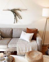 Unique mid century living room décor ideas 21