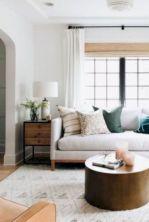 Unique mid century living room décor ideas 37