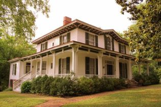 Affordable old house ideas look interesting for your home 07