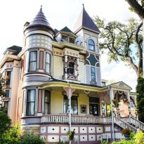 Affordable old house ideas look interesting for your home 27