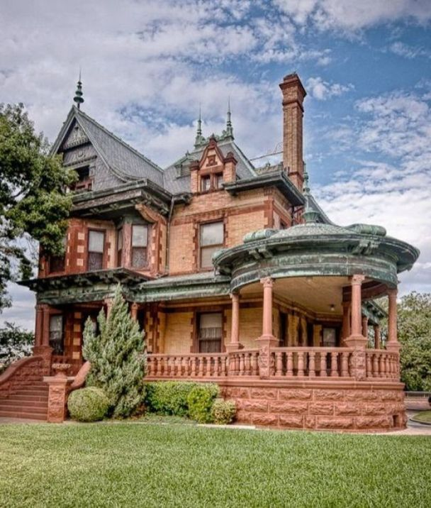 Affordable old house ideas look interesting for your home 49