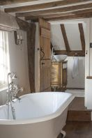 Amazing country bathrooms ideas you can imitate 06