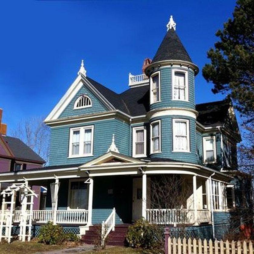 Amazing old houses design ideas will look elegant 01