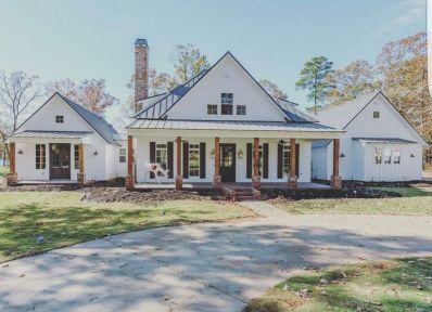 Amazing old houses design ideas will look elegant 09