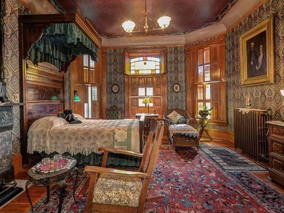 Amazing old houses design ideas will look elegant 44