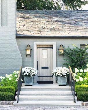 Amazing old houses design ideas will look elegant 53