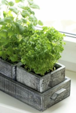 Attractive window box planter ideas to beautify up your home 07