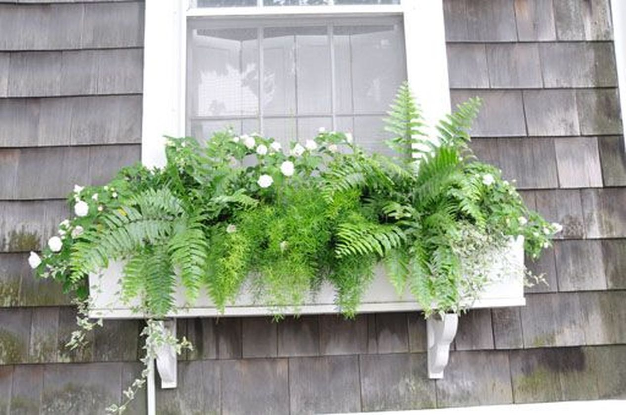 Attractive window box planter ideas to beautify up your home 08