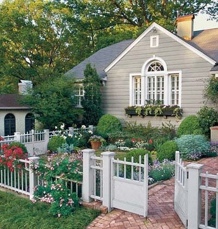 Attractive window box planter ideas to beautify up your home 16