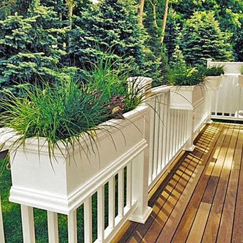 Attractive window box planter ideas to beautify up your home 33