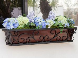 Attractive window box planter ideas to beautify up your home 40