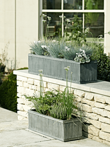 Attractive window box planter ideas to beautify up your home 49