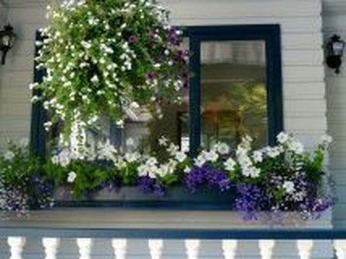 Attractive window box planter ideas to beautify up your home 50