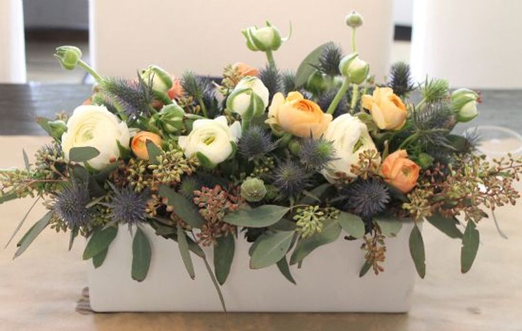 Stunning wood flower box ideas to beautify the flower decoration 10