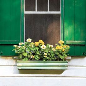 Stunning wood flower box ideas to beautify the flower decoration 14