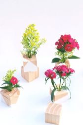 Stunning wood flower box ideas to beautify the flower decoration 19