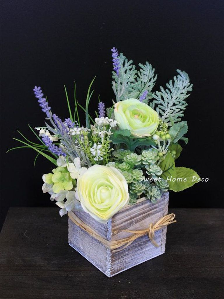 Stunning wood flower box ideas to beautify the flower decoration 24
