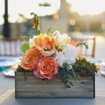 Stunning wood flower box ideas to beautify the flower decoration 36